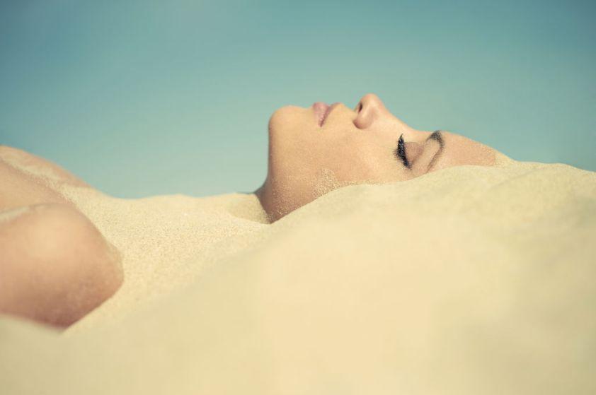sablotherapie-les-bienfaits-bain-sable_width1024